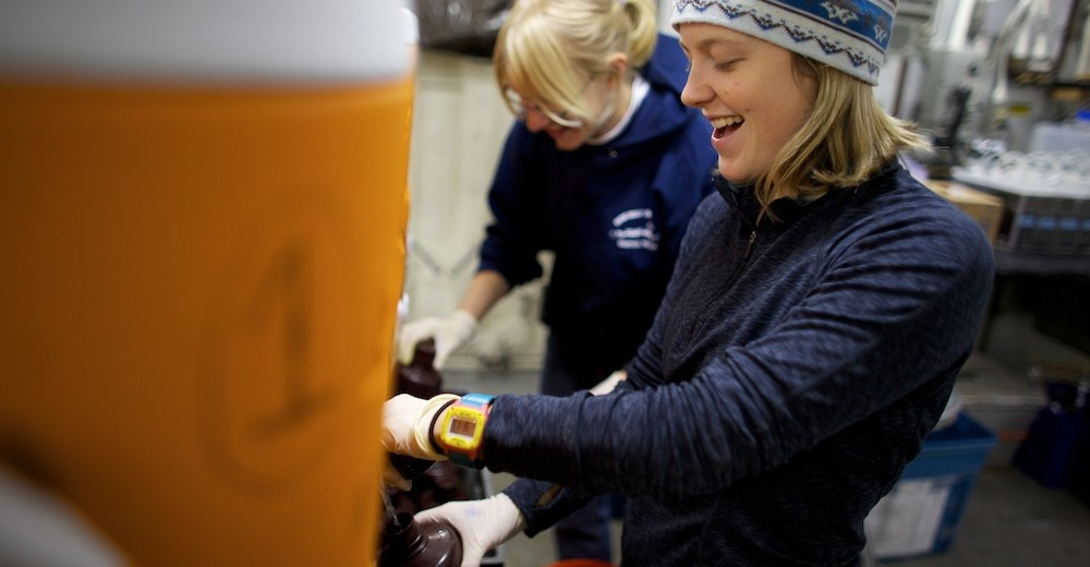 Stanford student, Caroline Ferguson, transfers samples of sea water.